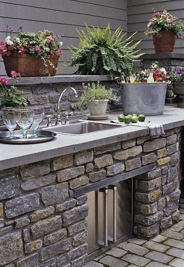 Outdoor kitchen. This would be awesome! Mehr
