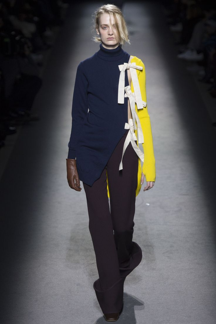 Jacquemus Ready To Wear Spring Summer 2018 Paris: 17 Best Ideas About Fashion Show On Pinterest