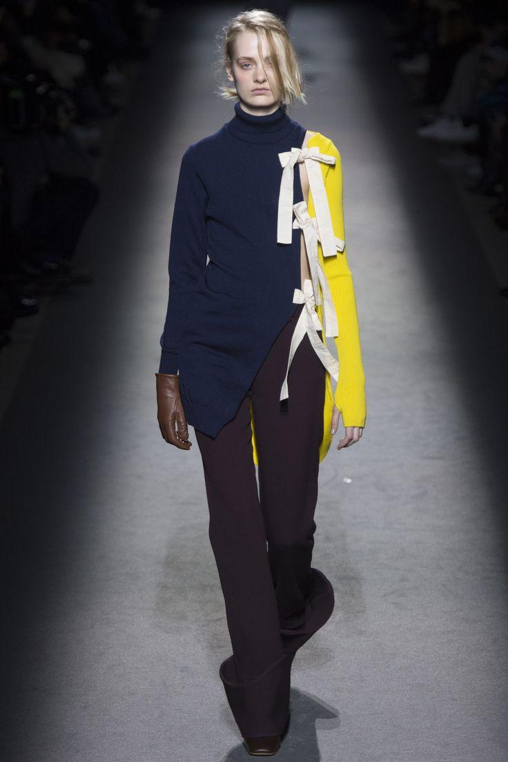 Jacquemus Fall 2016 Ready-to-Wear Fashion Show - Sunniva Vaatevik