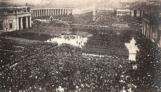 Piazza San Pietro ultima benedizione di Pio IX alle truppe pontificie Anno: 1870 aprile