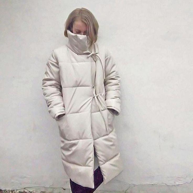Согревайся и утепляйся А мы подготовили к этой зиме самые тёплые пальто На модели @kamaukraine самый светлый и нежный молочный пуховик. Размер один на С-М. Цвета молочный, хаки, шоколад. Все вопросы по заказу пиши в директ  #пуховикукраина  #пуховик #парка #курткаукраина #куртки #купитькуртку #купитьпуховик