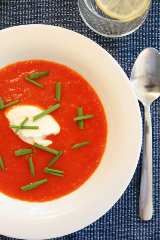 Paprika- og tomatsuppe