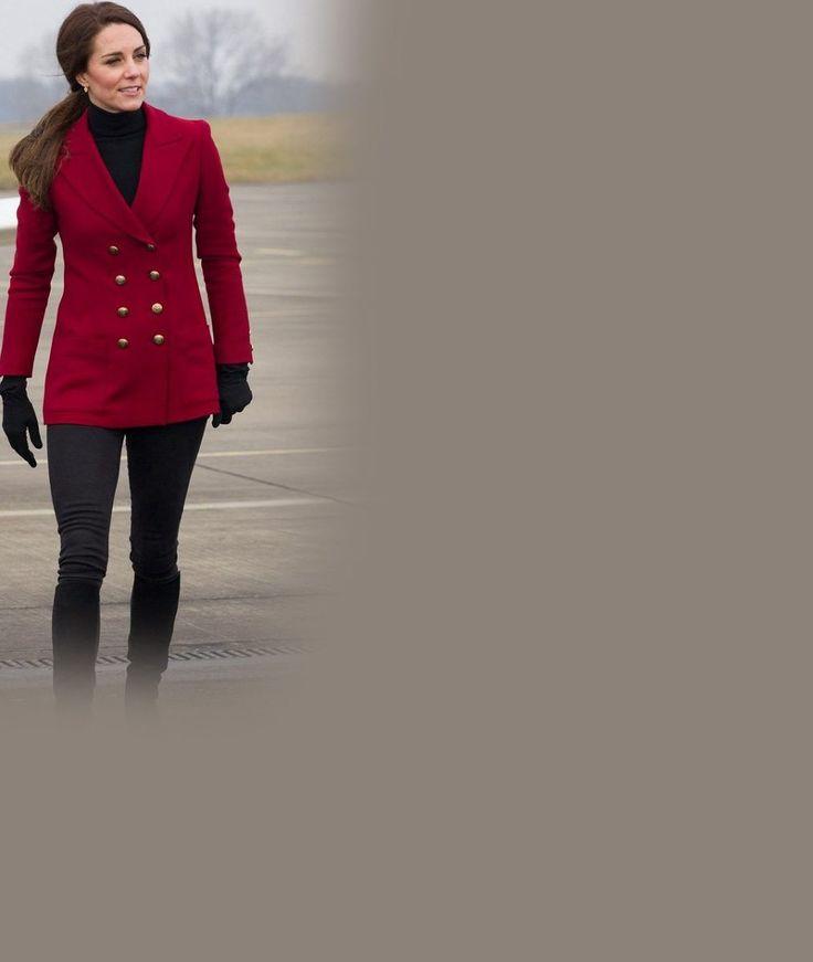 Vévodkyně Kate ukázala v těsných džínách dokonalý zadeček: Takhle na její chloubu civěl zvědavý pilot