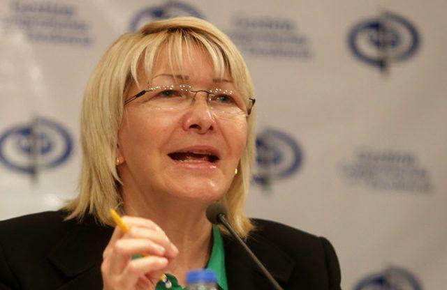 Desde hace varias semanas Luisa Ortega Diaz viene haciendo ruido. Los diarios nacionales e internacionales la titulan como la nueva super héroe venezolana, los políticos le guiñan el ojo, la gente se llena de esperanza al escucharla y las redes sociales la convierten en tendencia nacional. Pero hasta ahora solo hemos escuchado a …
