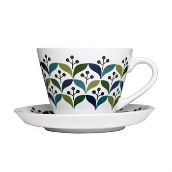 These teacups including coasters from Sagaform are characterized by a summery pattern in green-blue hues, which were designed by Lotta Odelius from Sweden.