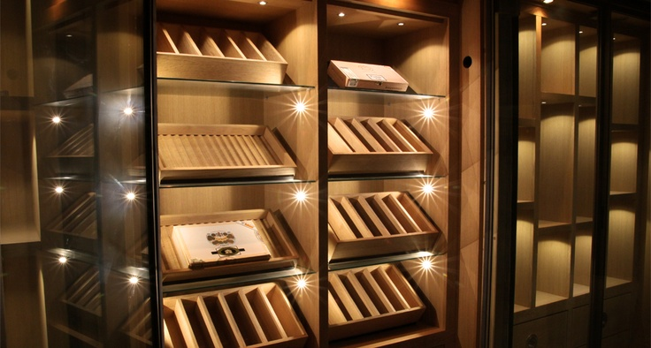 custom oak cigars cabinet courchevel by degr 12 custom cigars cabinets pinterest. Black Bedroom Furniture Sets. Home Design Ideas