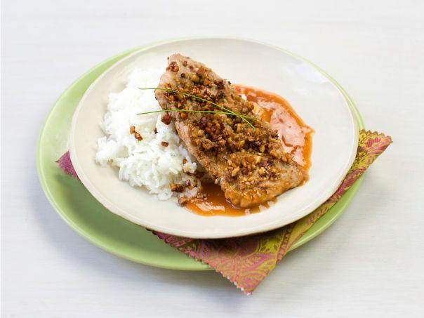 Svinefilet med peanøtter og sur søt saus