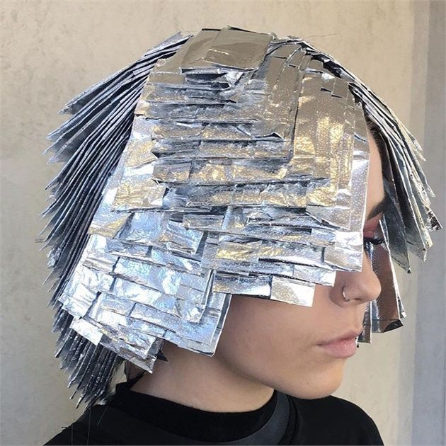 The Platinum Card Lightening Technique That S Behind Beautiful Blondes Hair Foils Hair Color Techniques Hair Color Formulas