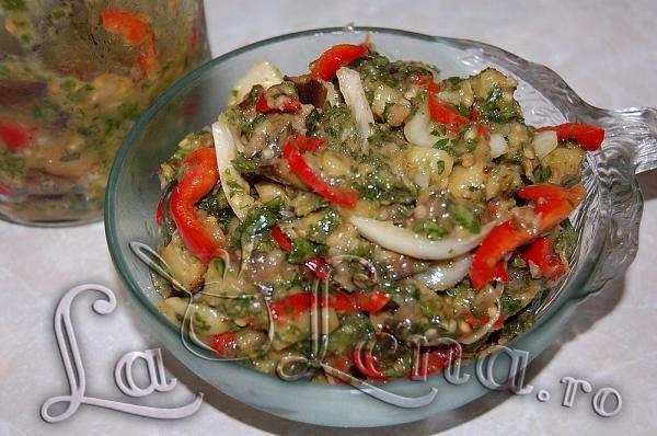 Salata picanta de vinete si legume