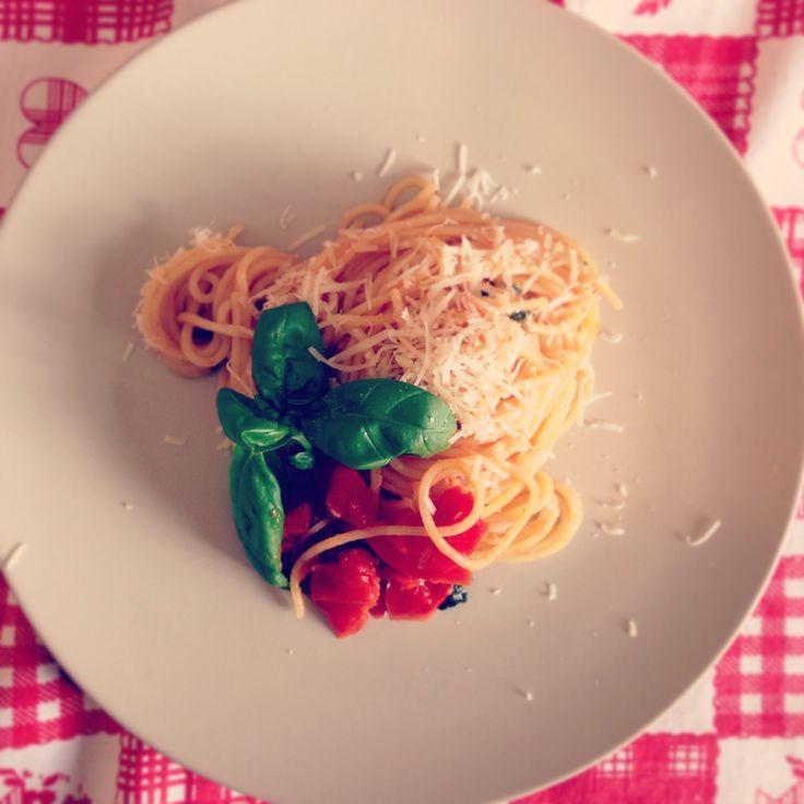 Spaghetti pomodoro e basilico, il più classico dei classici