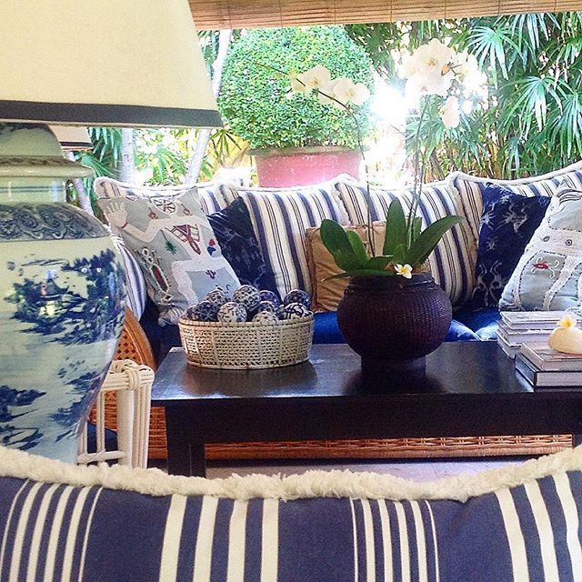 MIX & MATCH decorative pillows @stuartmemberyhome for a personal range of expression  #shoponline #shipworldwide #expressdeliverytoaus #stuartmemberyhome