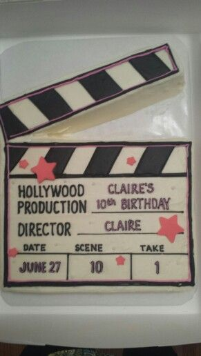 The perfect cake for a Hollywood theme party!