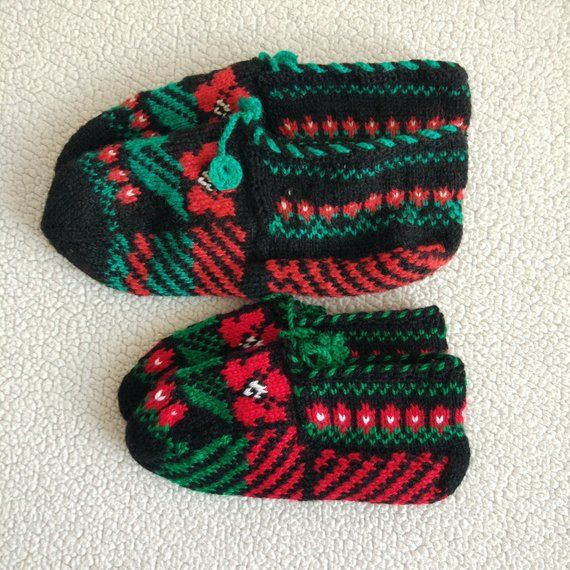 a60218a948612 Matching socks, Matching crochet slippers, Mother and baby gift set ...