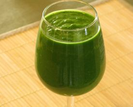 How to Make a Green Smoothie Without the Bitter Flavor of Greens: Kale Smoothie, Healthy Stuff, Healthy Diet, Green Smoothie Controversi, Green Smoothie Guide, Green Smoothie Healthy, Incr Smoothie, Green Smoothie1, Healthy Food