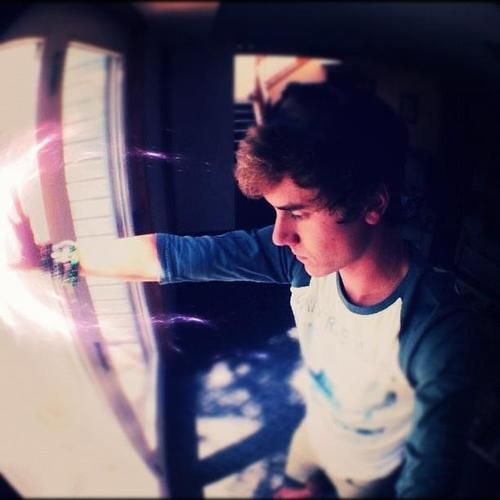48 best Connor Franta images on Pinterest | Connor franta ...