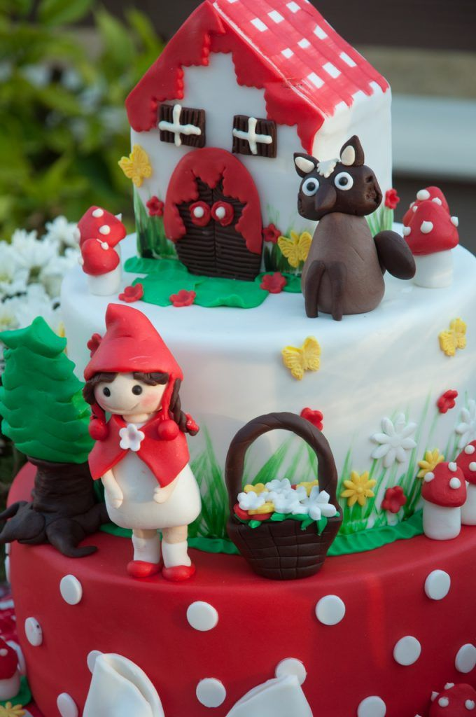 #Littleredridinghood #BirthdayParty #Candytable #sugarcake #GoldenAppleWeddings