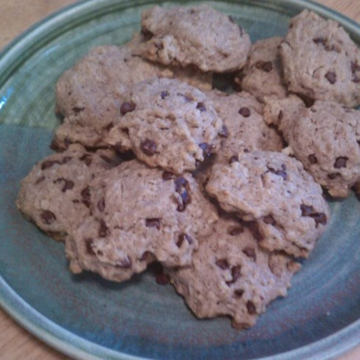 Nice taste (love oatmeal and cinnamon together!) for sugar limited cookie.   If you make 24 cookies, nutritional value per cookie is noted:  Plain Oatmeal: Calories 113 Fat 9.3 Carb 8.5  With 1/2 cup raisins: Calories 124 Fat 9.3 Carb 11.2  With 1/2 cup mini choc chips: Calories 130 Fat 10.3 Carb 10.7