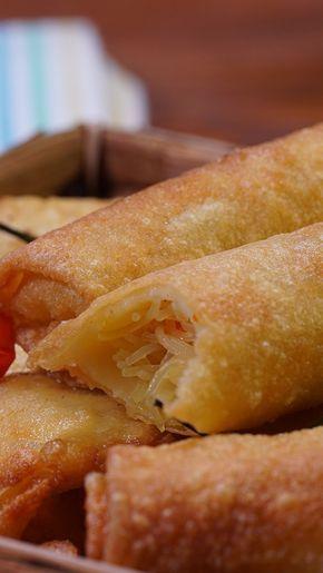 Risol Kampung atau sering juga disebut Risol Isi Bihun ini sering sekali dijadikan cemilan untuk acara-acara. Biasanya Risol Kmapung ini dinikmati dengan sambal Kacang, tapi bisa juga dijadikan untuk isian Soto Mie.
