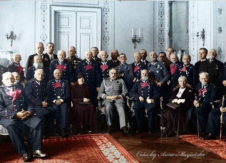 Weterani powstania styczniowego u Marszałka Józefa Piłsudskiego w 70. rocznicę powstania, 1933 r. (w specjalnie dla nich zaprojektowanych mundurach)