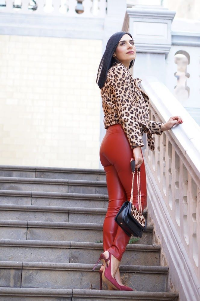 www.streetstylecity.blogspot.com Fashion inspired by the people in the street ootd look outfit sexy leather pants trousers heels red