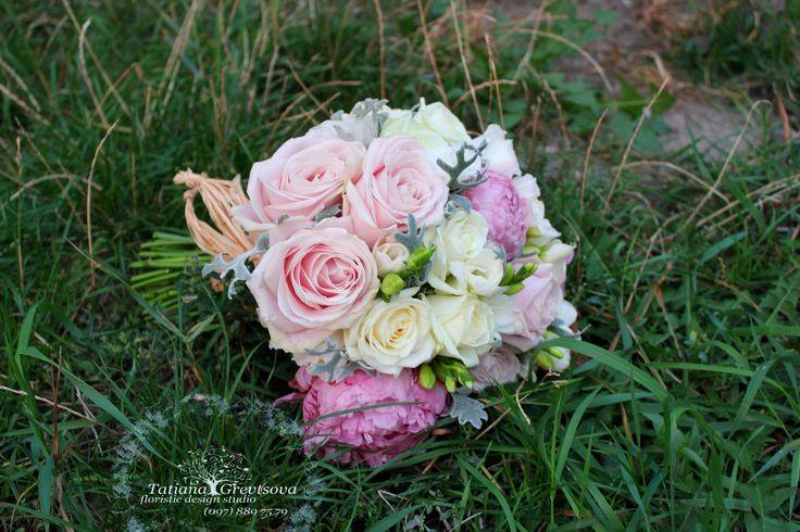 Букет невесты в пудровых оттенках.