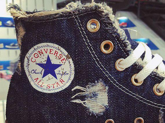 "Converse Chuck Taylor All Star ""Navy Denim"" - SneakerNews."