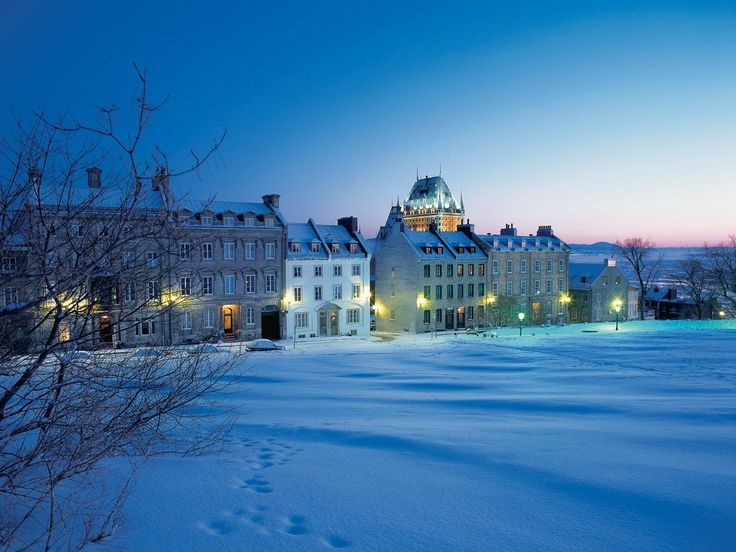 Avenue Saint-Denis en hiver, Vieux-Québec.
