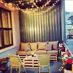 Fresh Apartment Balcony Christmas Decorating Ideas