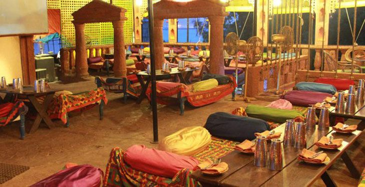 Theme resturants in mumbai are something people are very often fond of. Lets take a look at mumbais famous resturants themed uniquely.