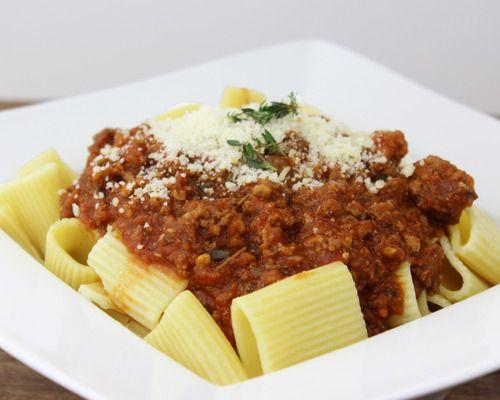 Classic Rigatoni alla Bolognese - Rigatoni pasta with rich meat sauce ...