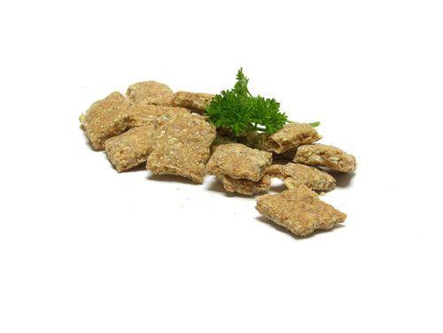 Selbst gebackene Hundekekse – gesund und lecker Selbst gemachte Hundekekse sind eine tolle Idee, mit der man allen Vierbeinern eine Freude bereitet. Sie beinhalten nur ausgewählte Zutaten, die je nach individuellem Geschmack des Hundes ausgewählt werden. Darüber hinaus enthalten sie keine Konservierungsstoffe, Geschmacksverstärker oder andere ungesunde Zutaten wie beispielsweise Zucker. Auch für Allergiker-Hunde ist das …
