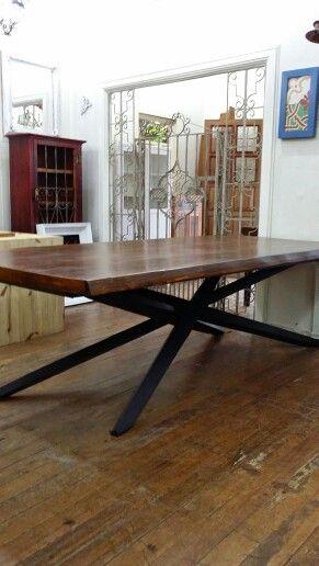 Mesa de jantar  Madeira&Ferro