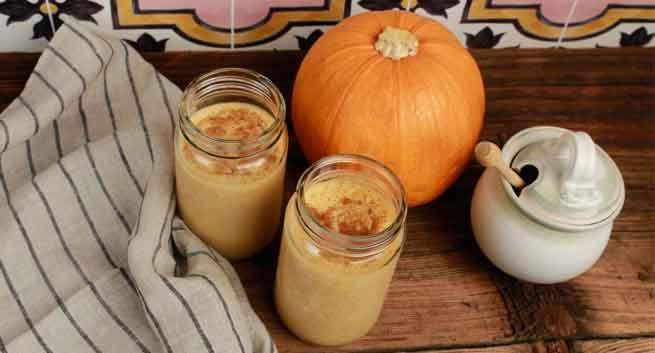 Pumpkin Spice Smoothie with Greek Yogurt