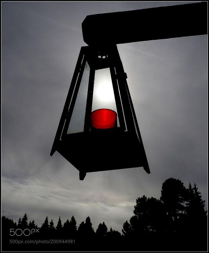 das ewige Licht..... by ernstkramer OLYMPUS DIGITAL CAMERA skysunlightcloudslampsonnelichtlampe
