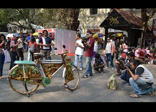 "Crowd at ""Cycle Chalao City Bachao"" Gold Leaf hand painted Mumbai cycle by artist Rajesh Nakar"
