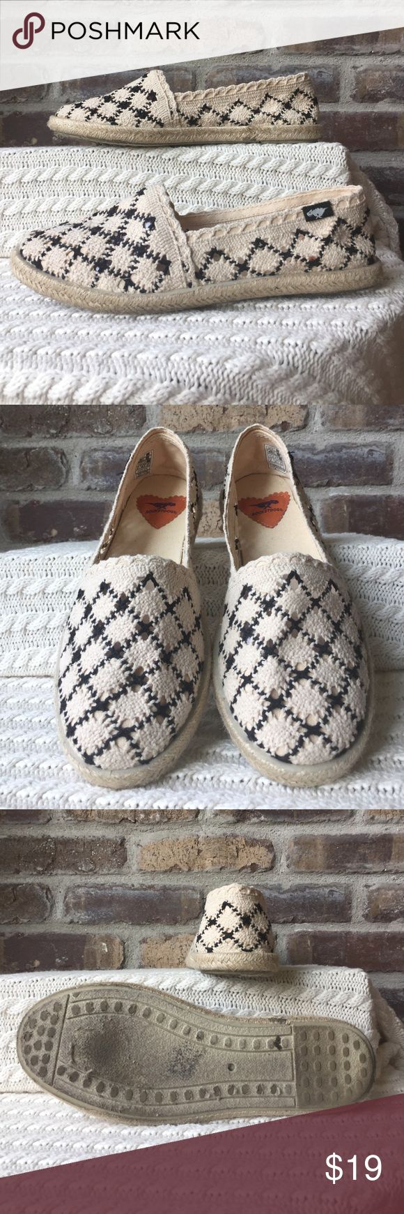 Rocket Dogs espadrilles Women's size 8 cream and black Rocket  Dog espadrilles. They have been worn. Rocket Dog Shoes Espadrilles