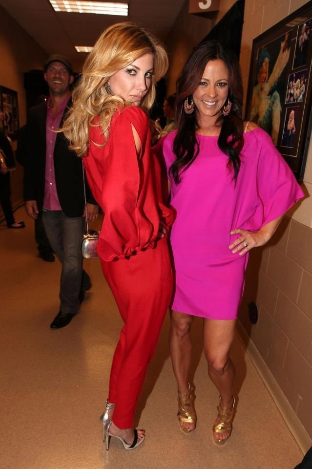 Photo of Faith Hill  & her friend Sara Evans