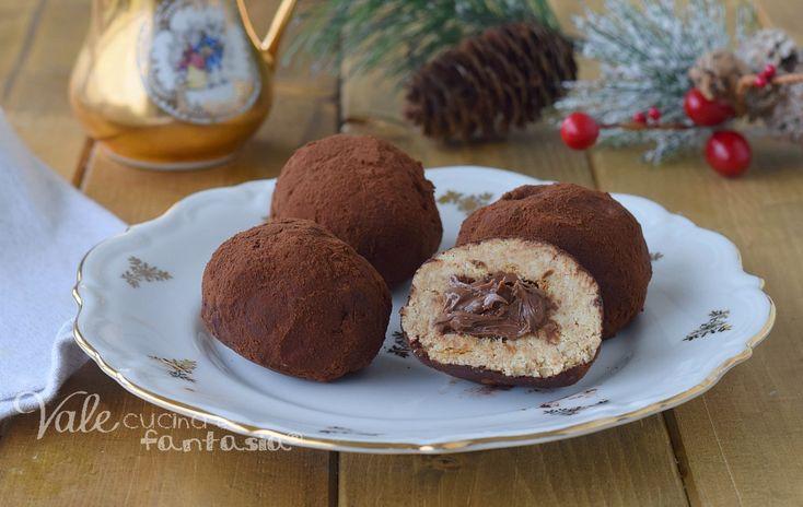 DOLCETTI DI PANDORO CON NUTELLA al tiramisu , ricetta dolce di Natale facile , veloce e senza cottura, ricetta con il pandoro e nutella