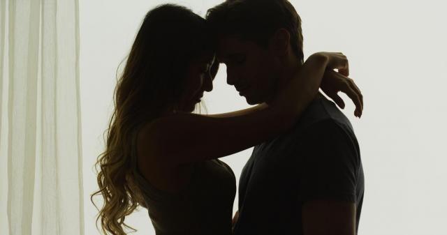 Sprawdzone porady na to, aby stworzyć romantyczny nastrój w Twoim domu #ROMANTYCZNY #NASTRÓJ #ŚWIECE #LAMPIONY