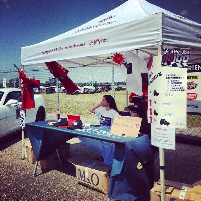 Notre kiosque #JiffylubeQc au #NASCAR #Jiffylube100!
