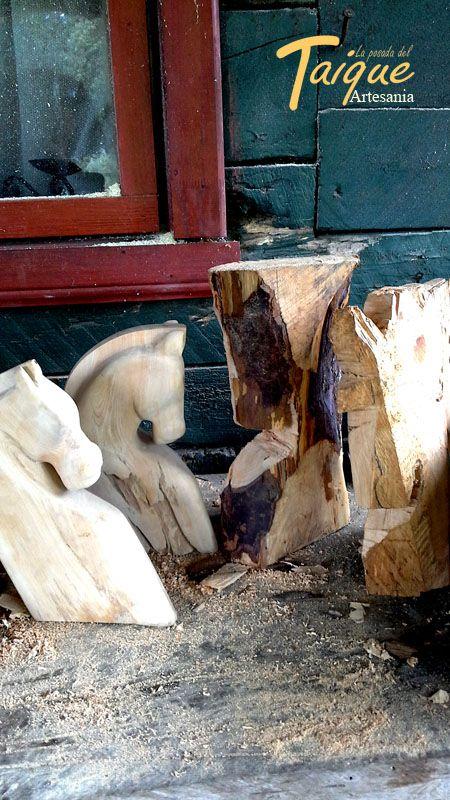 Cabezas de Caballos de Madera Nativa Mañio