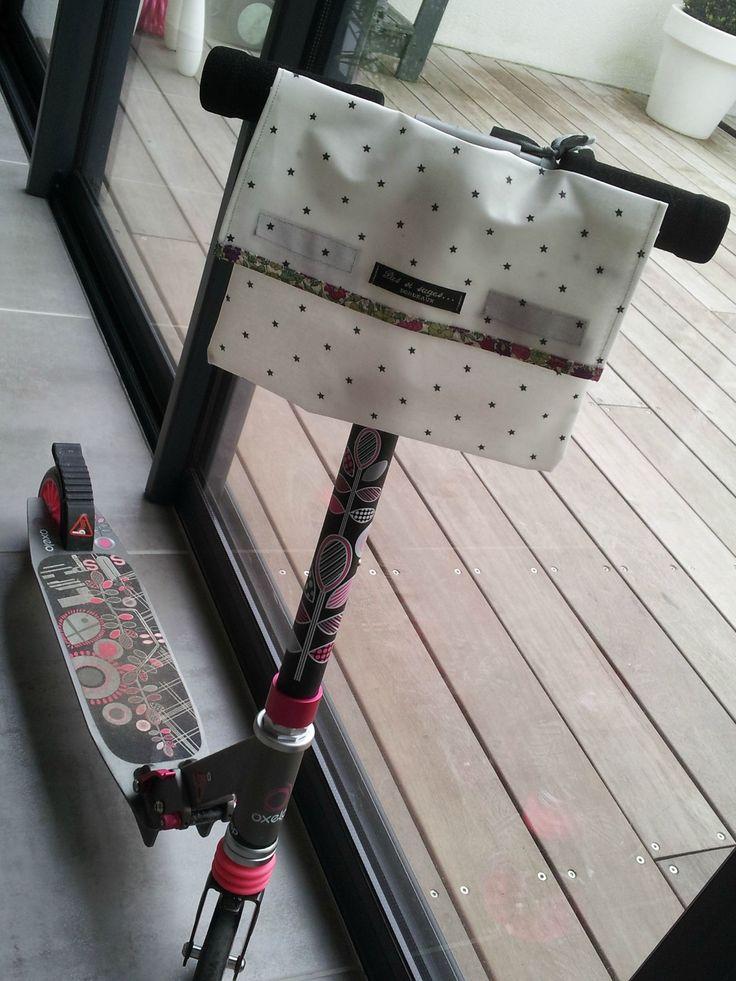 La pochette à vélo ou trotinette de Chiara!