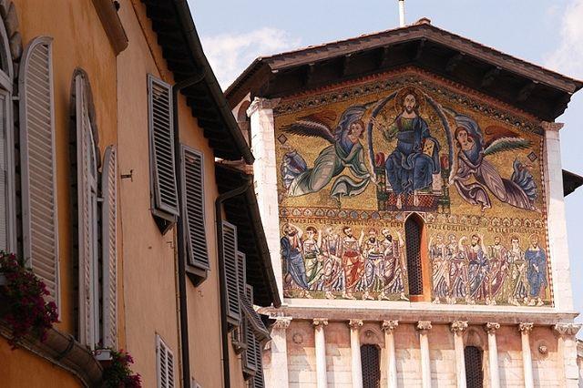 La Via Francigena in Toscana - Chiesa di San Frediano a Lucca by intoscana.it, via Flickr