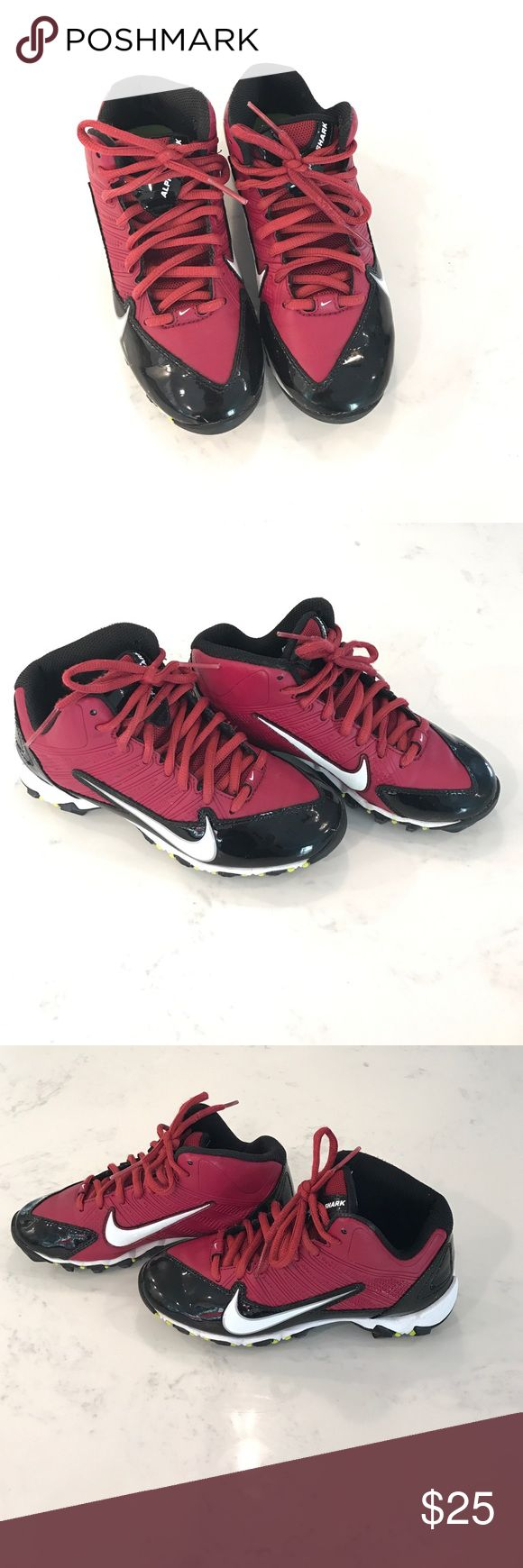 Boys Nike football cleats Maroon and black boys football cleats. Like new. In excellent condition. Nike Shoes