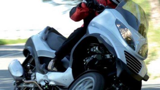 Vespa's sporty 3 wheeled scooter