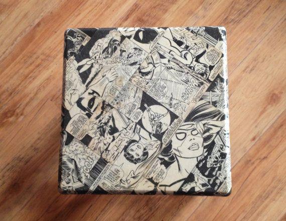 Comic Stool B SpiderWoman por artsandcrash en Etsy