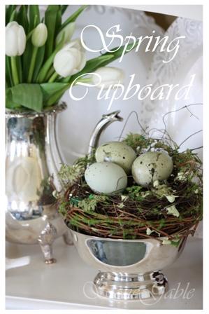 love this charming Easter vignette