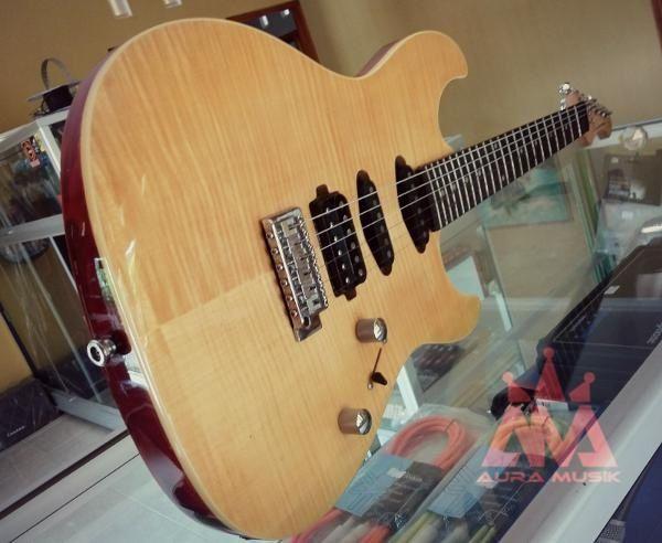 Gitar listrik – Dame Guitar Original Saint M200   free Softcase