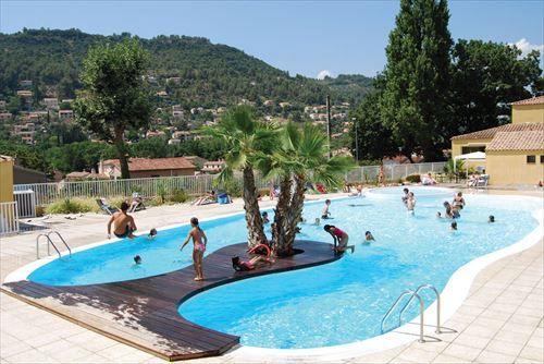 Hier spat het vakantiegevoel echt vanaf! Vakantiepark Le Galoubet is een goede keus voor de rust van de natuur én leuke activiteiten in een mooie omgeving.