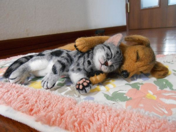 Adorable needle felted cat and dog sleeping